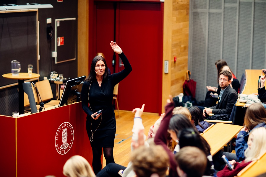 Professor Marit Skivenes presenting for high school students during Science Week in September 2018.